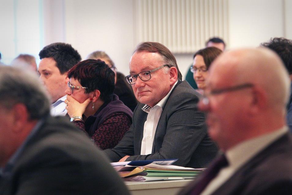 Damit der Radebeuler SPD-Mann Thomas Gey in den Kreistag einziehen und dort den Co-Vorsitz der Fraktion mit den Bündnisgrünen übernehmen kann, muss seine Parteifreundin Christine Schurig ihr Mandat zurückgeben.