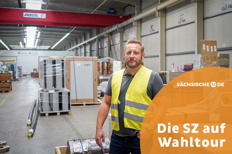 Roman Richter ist Betriebsleiter beim Logistikunternehmen Schmalz und Schön in Salzenforst. Er findet: Leere Lastwagen müssten über die Schiene transportiert werden.