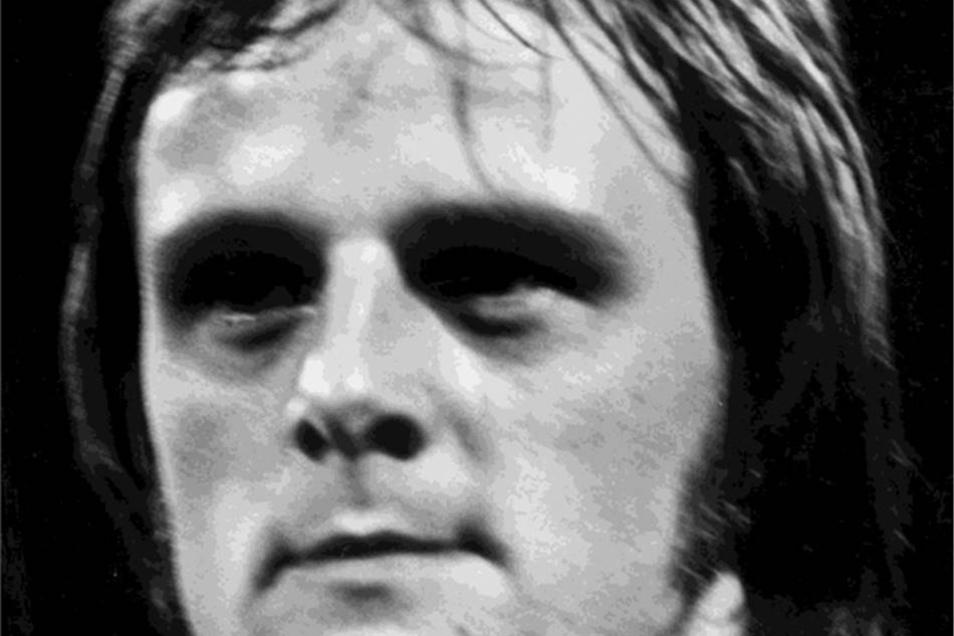 Peter Kotte Dynamo von 1973 bis 1981 Kam von Stahl Riesa und fügte sich bei Dynamo mit drei Toren gegen seinen Heimatverein gut ein. 1981 aus politischen Gründen ausgeschlossen, rehabilitiert.