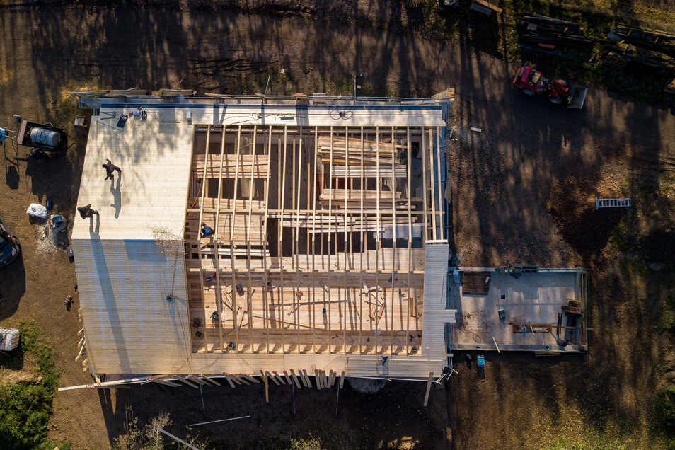 So sieht die Schulbauernhof-Baustelle am Rande von Klosterbuch aus der Vogelperspektive aus.
