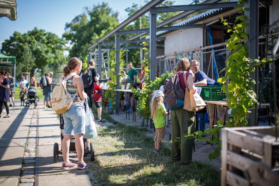 In Pieschen gibt es jetzt an der Gehestraße den neuesten Bauernmarkt der Marktschwärmerei in Dresden.