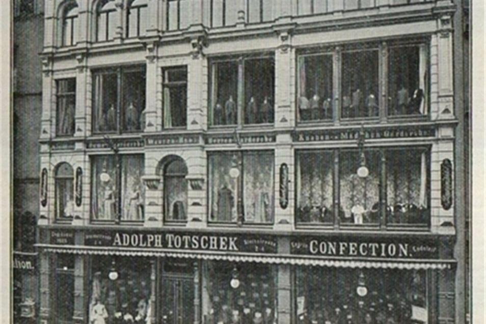 Das Foto zeigt die Steinstraße 2 bis 5, als hier noch das damalige Kaufhaus Totschek ansässig war.