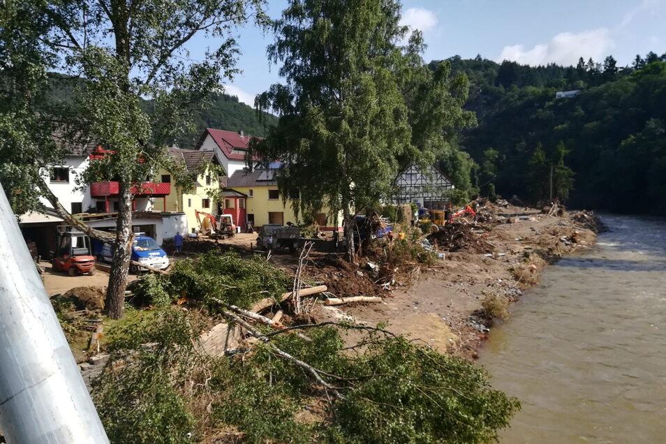 Die Wassermassen der Ahr hatten den Ort beinahe komplett zerstört, Menschen verloren ihr Leben in den reißenden Fluten.