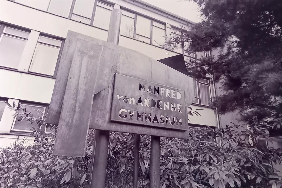 Wo einst das nach dem Forscher und Erfinder Manfred von Ardenne benannte Gymnasium stand, befindet sich heute eine Brache – deren Boden belastet ist.