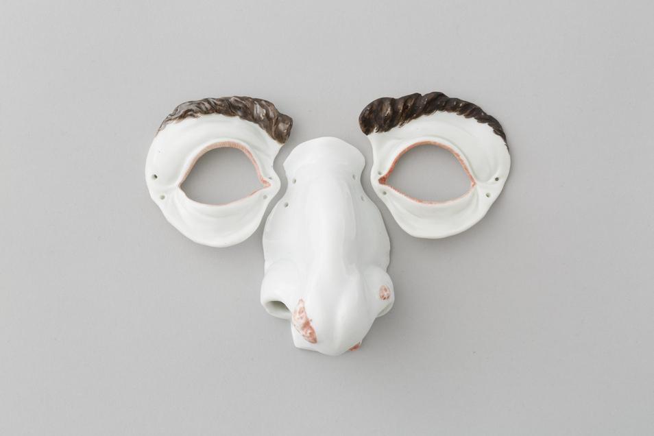 Nichts für den alltäglichen Gebrauch: Eine dreiteilige Maske aus der Dresdner Porzellansammlung.