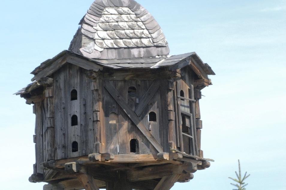 Das Original des Oelsnitzer Taubenhauses stand einst auf einem privaten Nachbargrundstück und ließ sich leider nicht mehr reparieren.