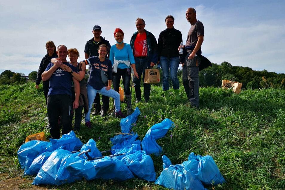 Da kamen schon allerhand Müllsäcke zusammen, die allein diese Gruppe sammelte.
