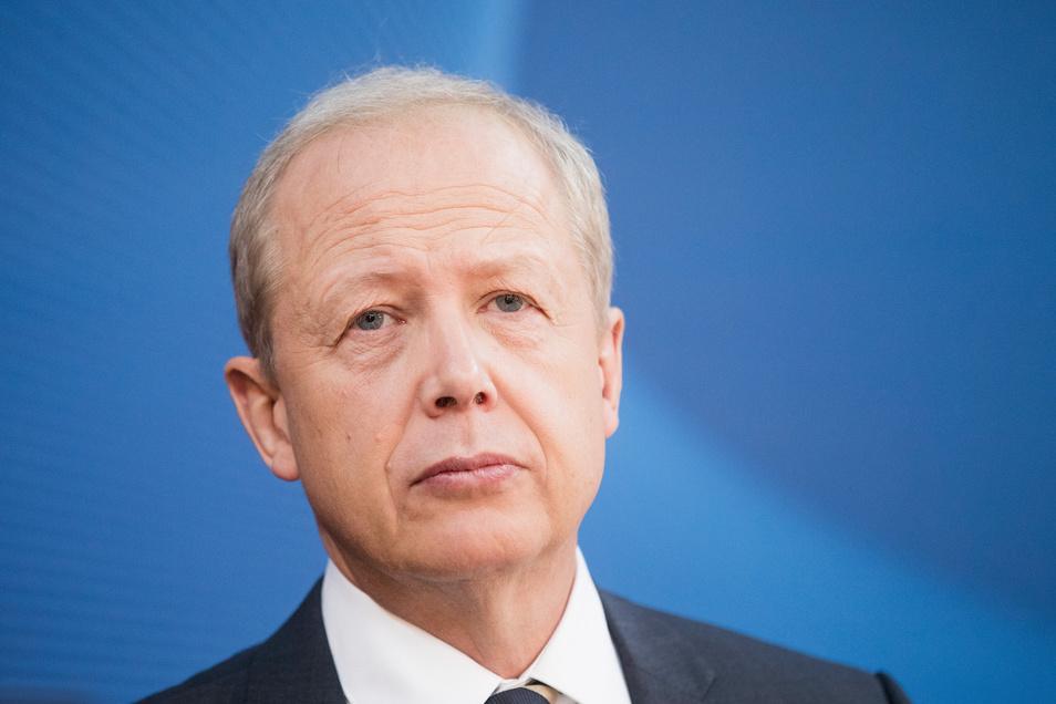 WDR-Intendant Tom Buhrow verdient 395.000 Euro im Jahr - fast doppelt so viel wie der Bundespräsident.