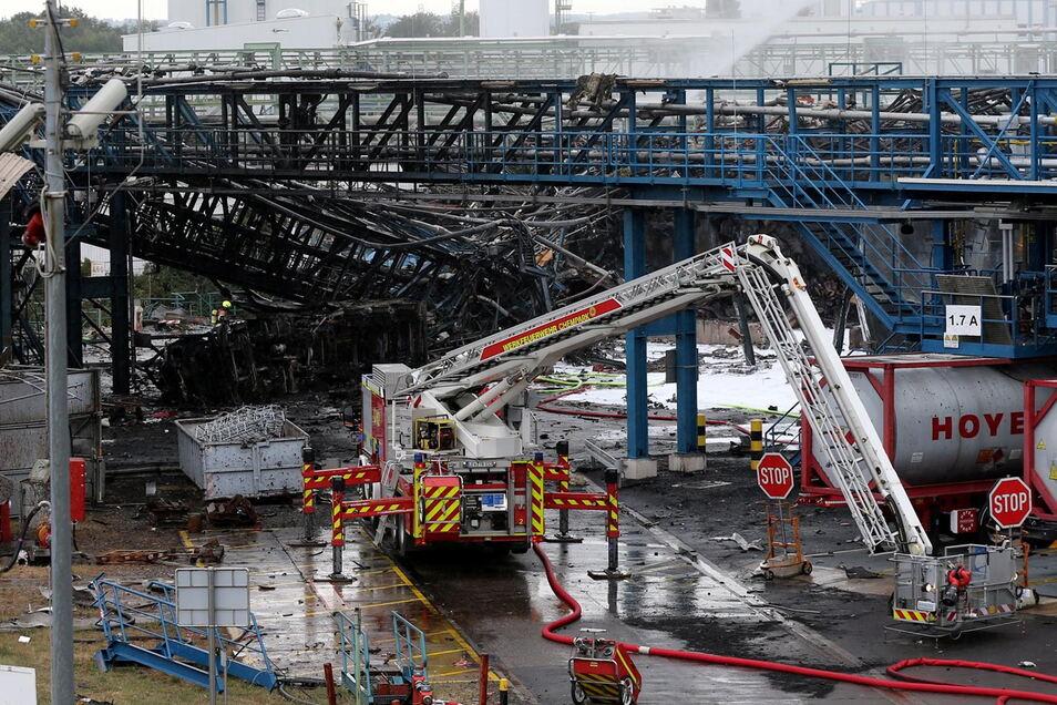 Nach der Explosion in einer Müllverbrennungsanlage am Vortag war die Suche nach den Vermissten am Mittwoch weiter gegangen.