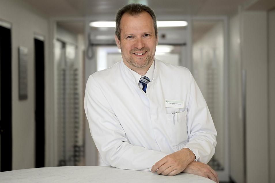 Jürgen Heppner ist Präsident der Deutschen Gesellschaft für Geriatrie, Lehrstuhlinhaber an der Universität Witten/Herdecke und Chefarzt der Geriatrie am Helios Klinikum Schwelm.