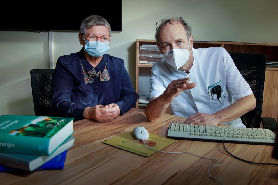 Bei Burgunde Schöne wurde im Frühjahr ein Darmtumor diagnostiziert. Prof. Steffen Pistorius ist ihr behandelnder Arzt in der Asklepios-ASB Klinik Radeberg. Nach zwei erfolgreichen Operationen ist der Krebs inzwischen besiegt.
