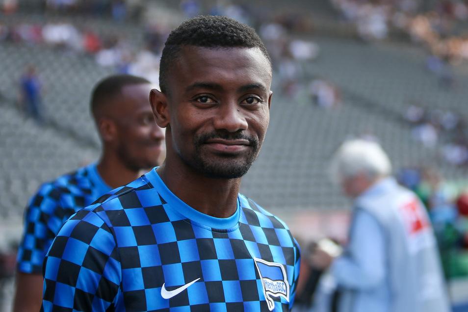Nach einem Livevideo bei Facebook war seine Zeit bei Hertha BSC abgelaufen: Salomon Kalou.