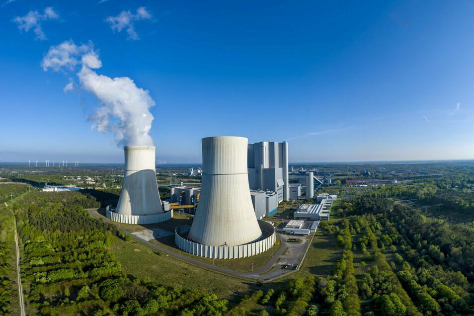 In Schwarze Pumpe entstand Europas größter Batteriespeicher, der das Stromnetz bei wechselnder Einspeisung von Strom aus erneuerbaren Quellen stabilisieren soll.