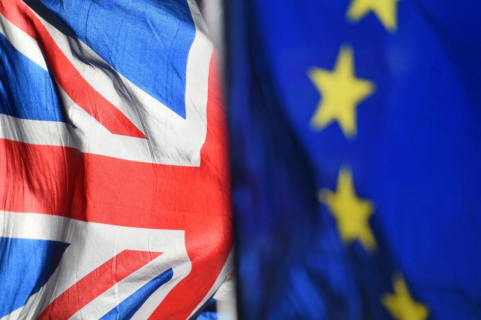 Die großen Fraktionen im Europaparlament stellten sich knapp fünf Jahre nach dem Brexit-Votum hinter die Ratifizierung des Brexit-Handelspakts.