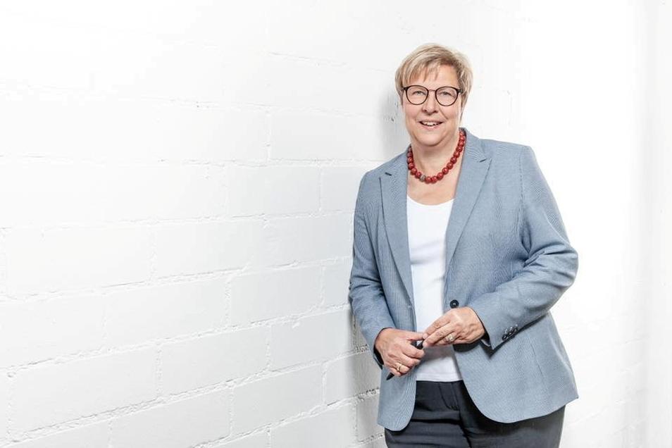 Petra Kalkbrenner: Die frühere Pirnaer Rechtsamtsleiterin und jetzige Bürgermeisterin von Swisttal bittet Pirna um Spenden für die Opfer der Hochwasserkatastrophe.