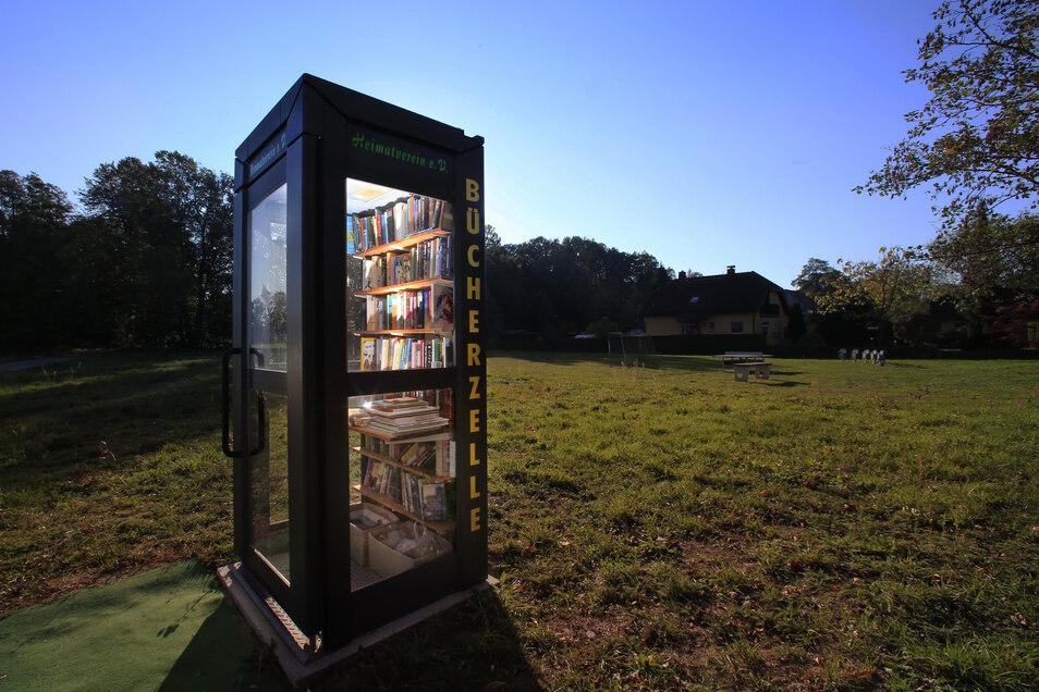 Ein Buch rein stellen, eins mitnehmen. Das ist das Prinzip der Bücherzelle. Einwohner von Radeberg wünschen sich eine solche Einrichtung.