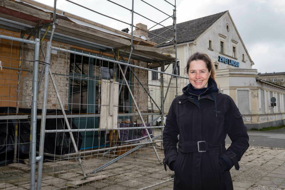 """Stefanie Knerr ist die Besitzerin des """"Zwei-Linden-Areals"""" in Görlitz-Rauschwalde. Jetzt baut sie die Kolonnade aus."""