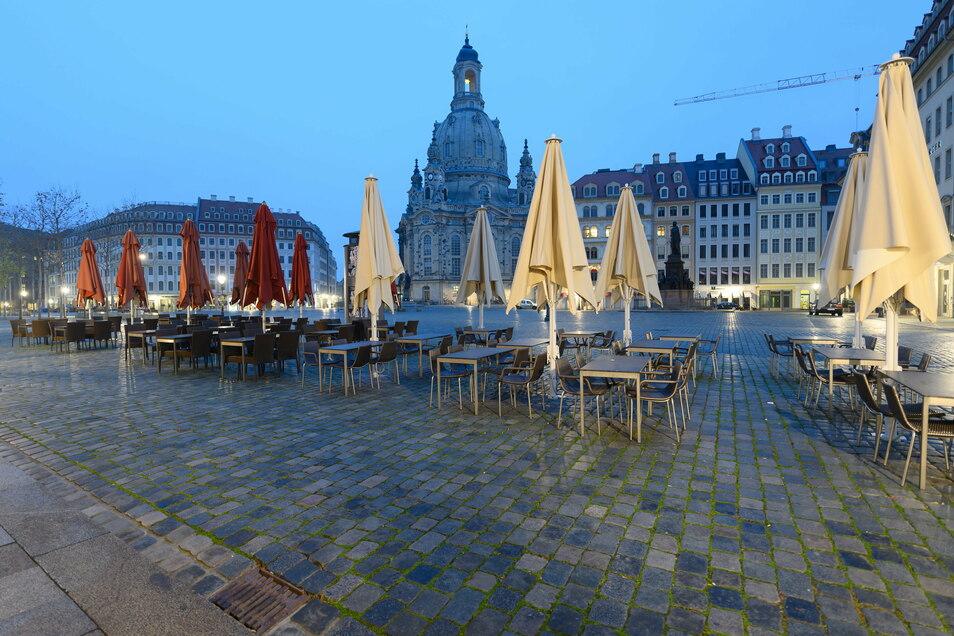 Wann wird der Neumarkt wieder mit Menschen gefüllt sein? Wie viele Hotels wird es dann noch in Dresden geben? 2021 wird ein kritisches und entscheidendes Jahr für den Tourismus in Dresden werden.