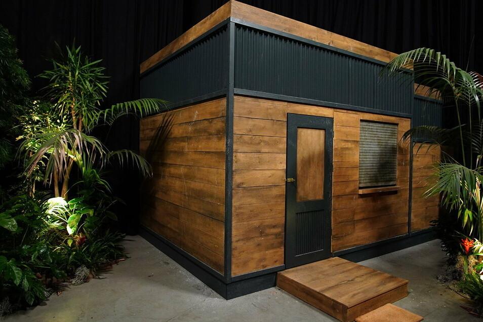 """Im Tiny House der neuen RTL-Show """"Ich bin ein Star - Die große Dschungelshow"""" müssen die Kandidaten auf engstem Raum leben."""