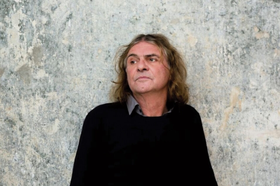 """""""Stirb mit mir ein Stück"""" war der Titel der ersten LP Wenzels 1986. Jetzt hält der Liedermacher aus Berlin   eine Kamenzer Rede."""