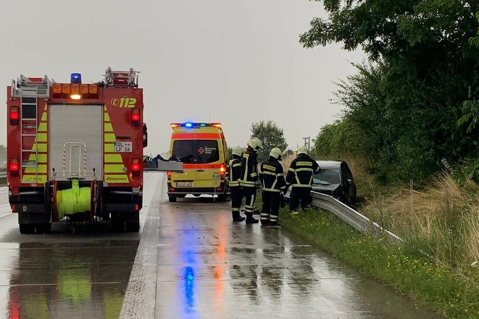 Auf der A14 zwischen den Anschlussstellen Döbeln-Nord und Leisnig kam am Donnerstagnachmittag ein Autofahrer von der Fahrbahn ab. Rettungskräfte waren vor Ort.