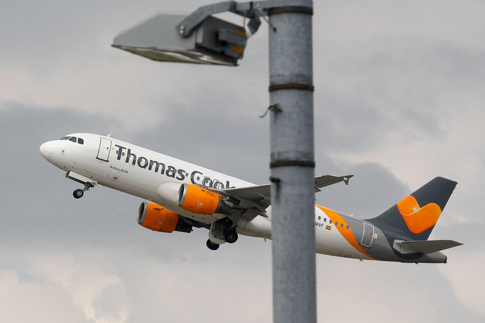 Die Maschinen von Condor können trotz der Pleite des Mutterkonzerns Thomas Cook weiter fliegen.