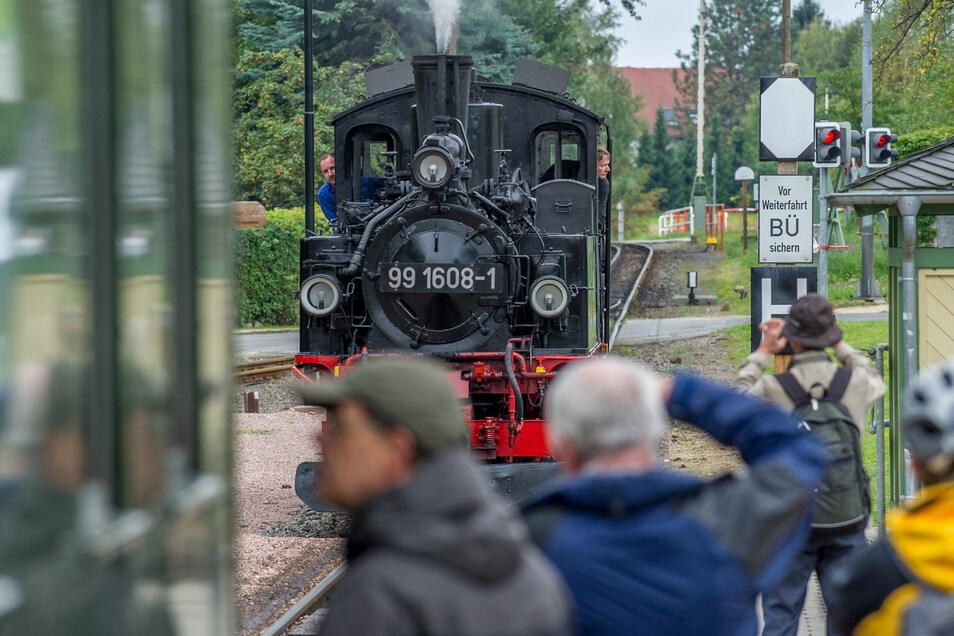 Die Dampflokomotiven fahren trotz des Lockdowns von Radebeul bis Radeburg.
