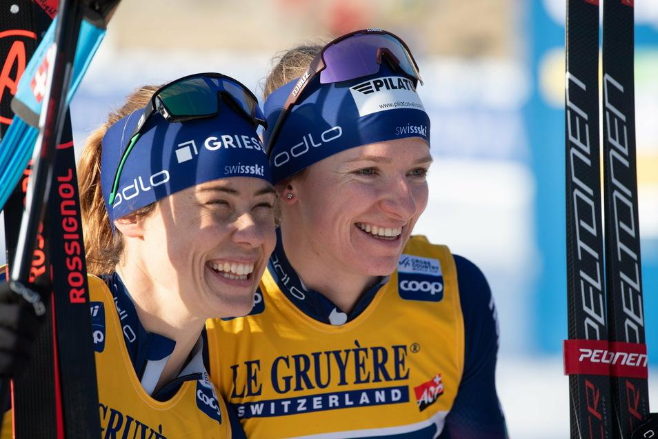Nadine Fähndrich (rechts) ist die mit Abstand stärkste Langläuferin des Wochenende. Am Samstag gewinnt sie das Einzel, tags darauf dann den Teamsprint mit ihrer Mannschaftskollegin Laurien van der Graaf.