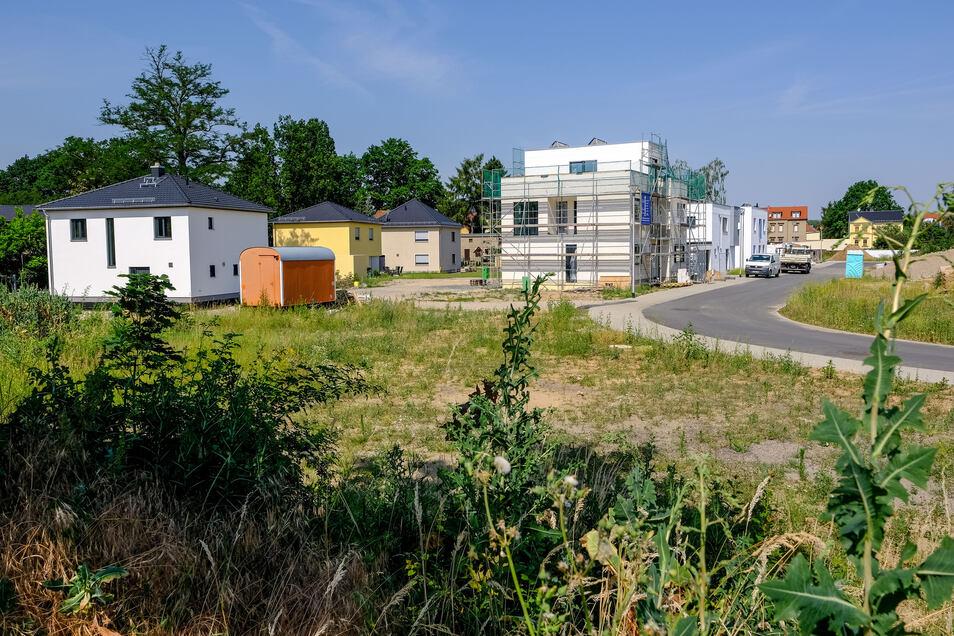 Hier gibt es noch Bauflächen  in Coswig auf der Fläche zwischen Am Güterbahnhof und Grenzstraße. Allerdings in Verbindung mit Bauträger.