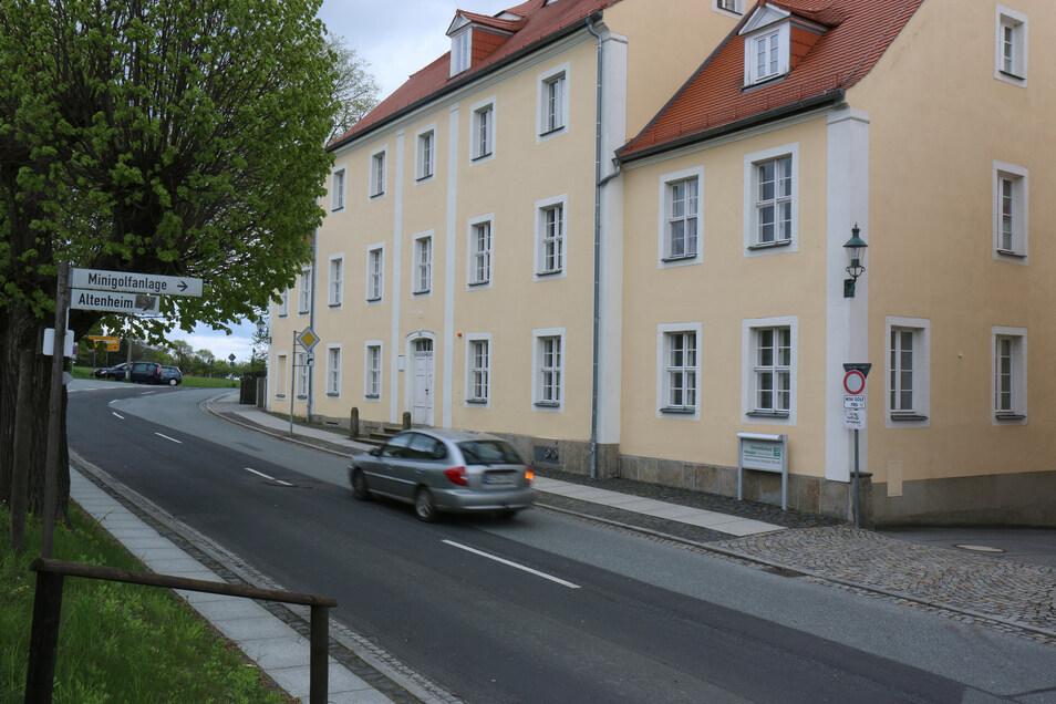 Blick auf das Hospiz an der Comeniusstraße in Herrnhut.