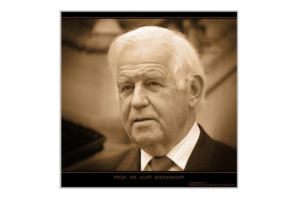 Dieses Foto von Kurt Biedenkopf ist auch im Gröditzer Rathaus zu finden. Der diese Woche verstorbene Politiker ist seit zehn Jahren Ehrenbürger der Kommune.