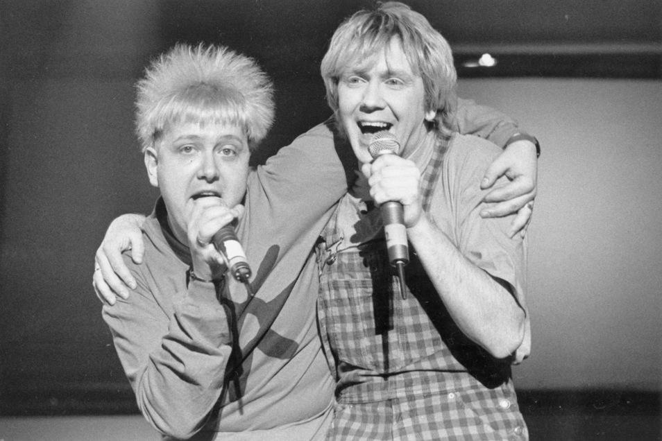 Die Frisuren ändern sich, die Pose bleibt: Sebastian Krumbiegel (l.) und Tobias Künzel bei einem Live-Auftritt 1996.