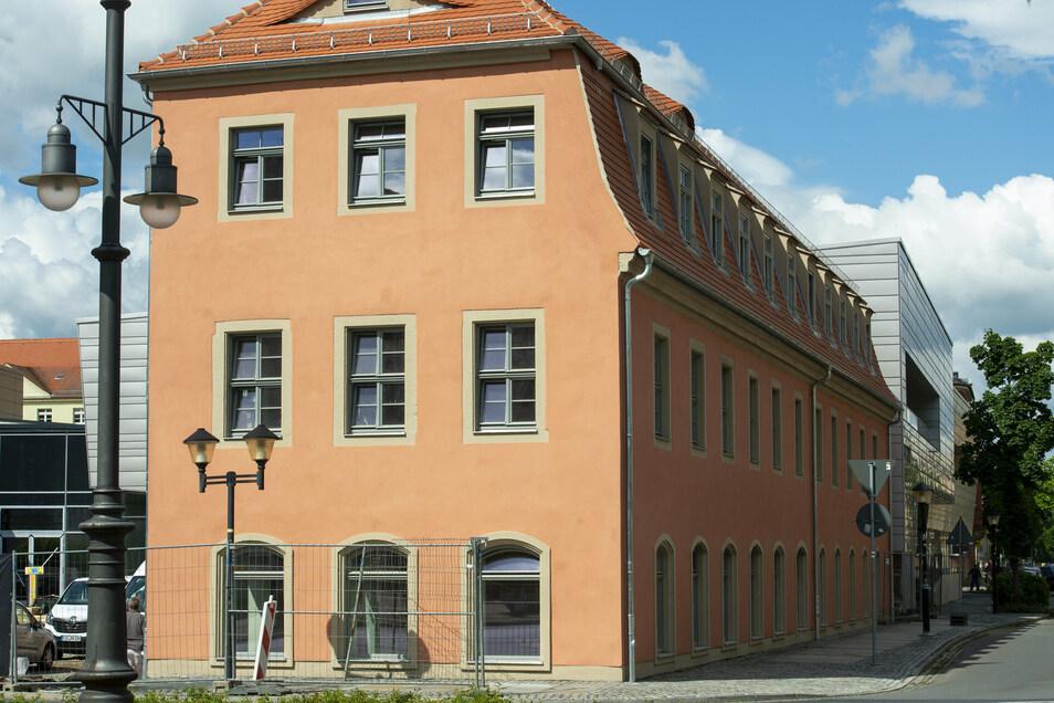 Mehr Sicherheit für Besucher des neuen Scheunenhofcenters: An der Bahnhofstraße und der Robert-Koch-Straße in Pirna wird gebaut.