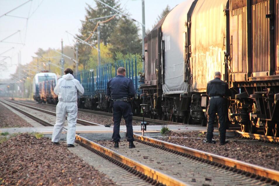 Auf der Bahnlinie in Zeißig (Hoyerswerda) kam am frühen Sonntagmorgen ein Mensch ums Leben.