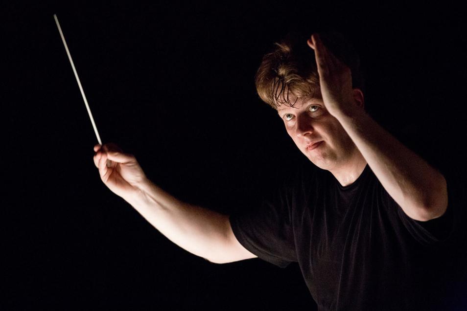 Chefdirigent Matthias Foremny leitet das Stuttgarter Kammerorchester.