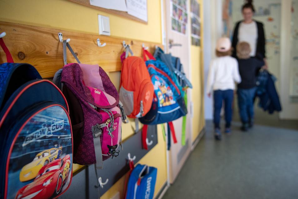 Die Mehrzahl der Kinder wird voraussichtlich am Montag von ihren Eltern wieder in die Kitas gebracht. Die Einrichtungen stehen vor großen Herausforderungen.