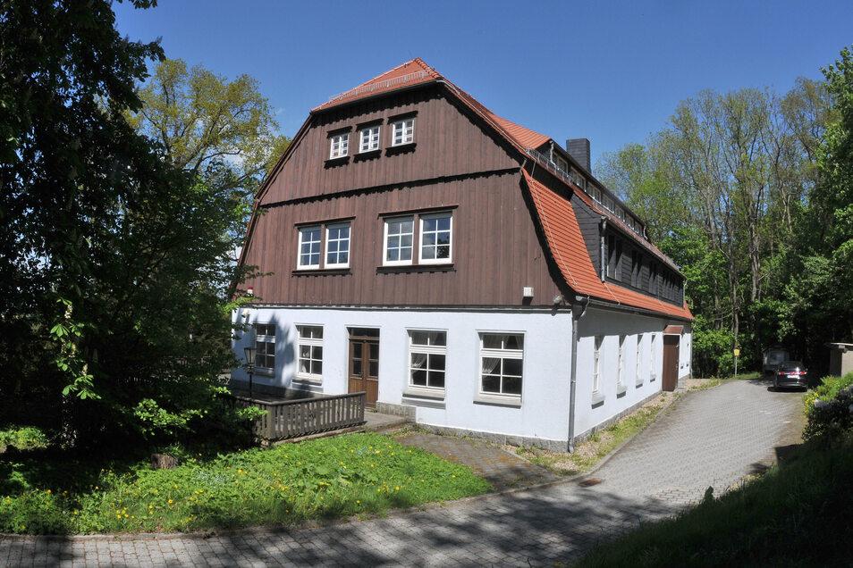 Die Humboldtbaude auf dem Ebersbacher Schlechteberg steht erneut zum Verkauf.