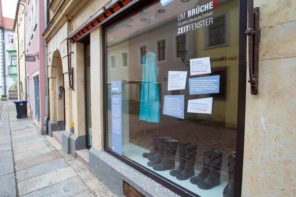 """Laden Barbiergasse 12 in Pirna: Umgestaltet als Zeitfenster zum Thema """"Industriestandort Pirna""""."""