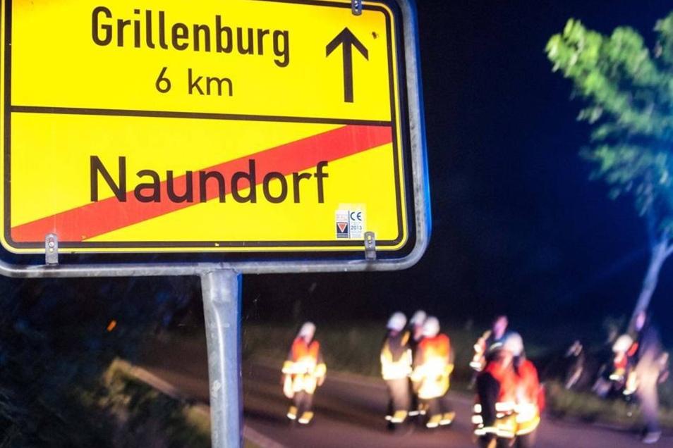 Auf der Landstraße nach Grillenburg schleuderte der VW in Höhe des Ortseingangs von Naundorf unkontrolliert in den Straßengraben.