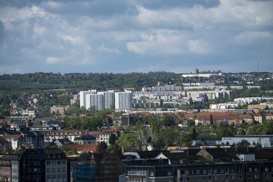 Ob Gorbitz oder Gruna: Alle Häuser und Grundstücke müssen neu bewertet werden. Das Resultat sehen auch Mieter in ihrer Nebenkostenabrechnung.