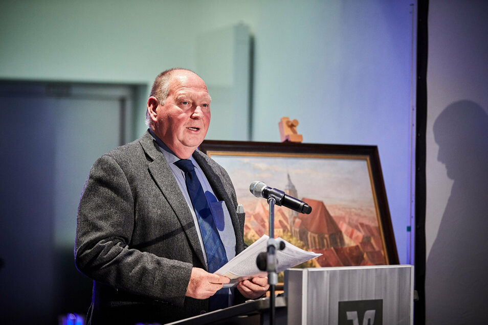 Klaus Brähmig ist weiter sehr aktiv im Landkreis - wie hier bei einer Buchpräsentation in Pirna.