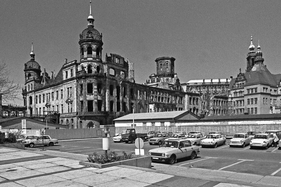 So sah die Dresdner Schlossbaustelle 1987 aus.