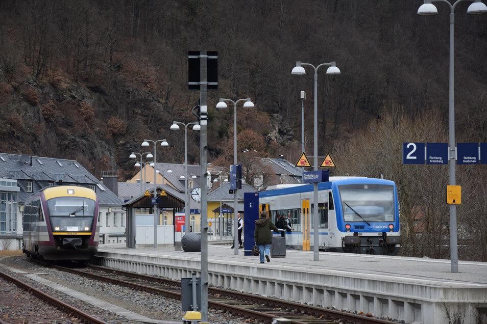 Die Strecke zwischen Glashütte (im Bild) und Heidenau gehört zu den Strecken mit den höchsten Fahrgastzahlen im Dieselnetz rund um Dresden.