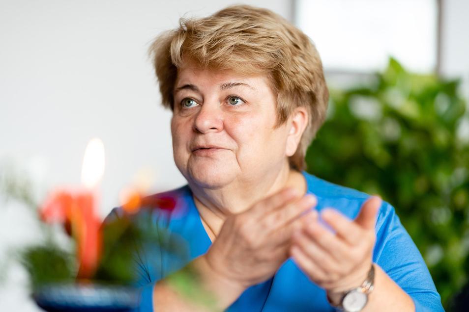 18 Jahre lang war Martina Angermann Bürgermeisterin von Arnsdorf, ehe sie im Februar nach Anfeindungen und Bedrohungen krank wurde und ihren Beruf nicht mehr ausüben konnte. Seit Dezember ist sie im vorzeitigen Ruhestand.