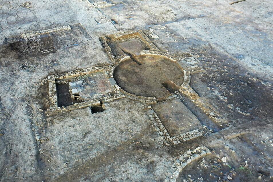 Dieses undatierte von Historic England herausgegebene Foto zeigt seltene römische Überreste in Eastfield, Scarborough.