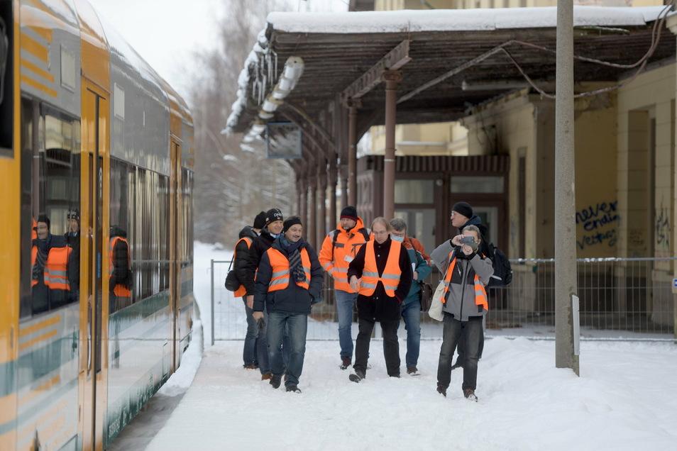 Ankunft am Bahnhof Seifhennersdorf. Die Testfahrt hat geklappt - wie auch ein Video zeigt.