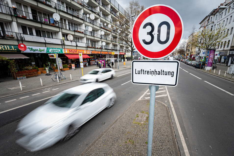 Wer Geschwindigkeitsbegrenzungen nicht einhält, muss künftig noch stärker blechen.