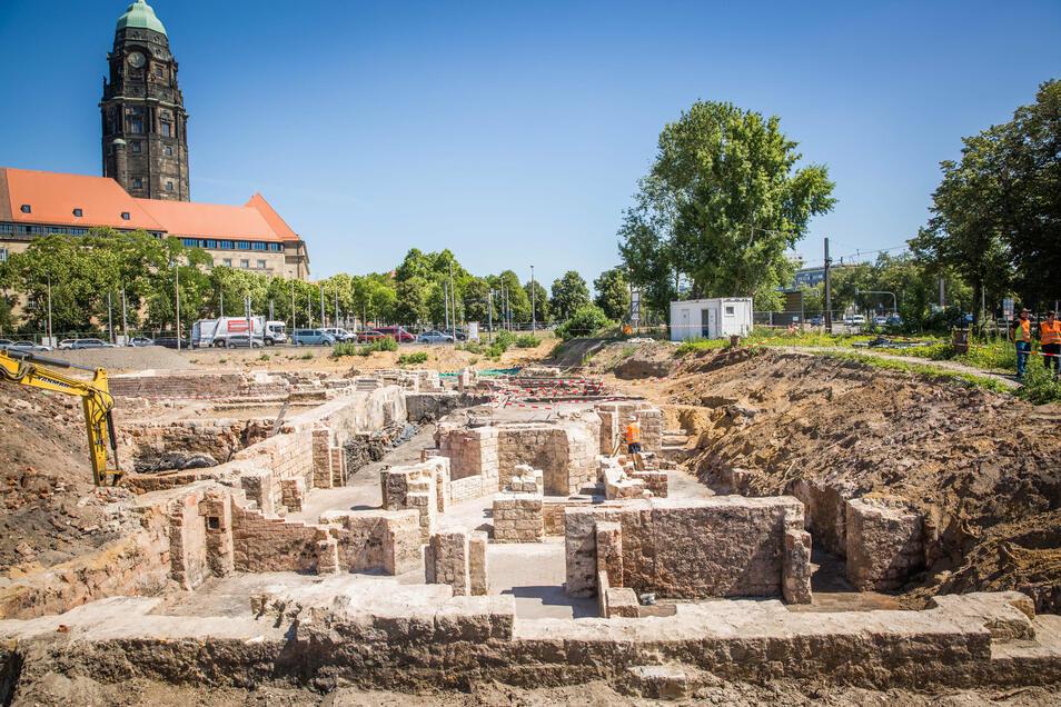 Bei den archäologischen Ausgrabungen am Ferdinandplatz, wo später das neue Verwaltungszentrum entstehen soll, gab es interessante Funde.