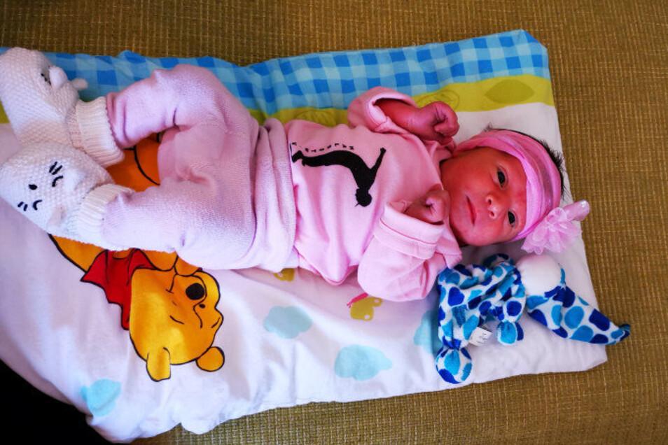Lisa-Marie Geboren am 23. Juni Geburtsort Bautzen Gewicht 3.100 Gramm Größe 49 Zentimeter Eltern Cindy und Lars Häschke Wohnort Großpostwitz