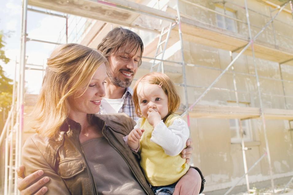 Eine Modernisierung hat viele Vorteile - für junge Menschen oder langjährige Immobilienbesitzer.